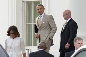 19-barack-obama-tan-suit-w710-h473